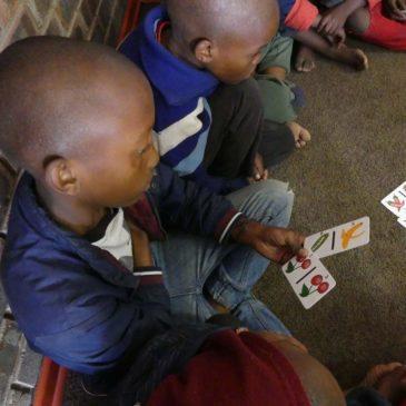 Jeux de société pédagogiques à Laafi