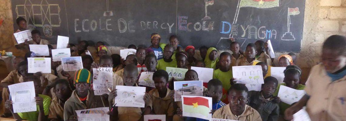 Dessins avec les élèves de l'école de Yagma